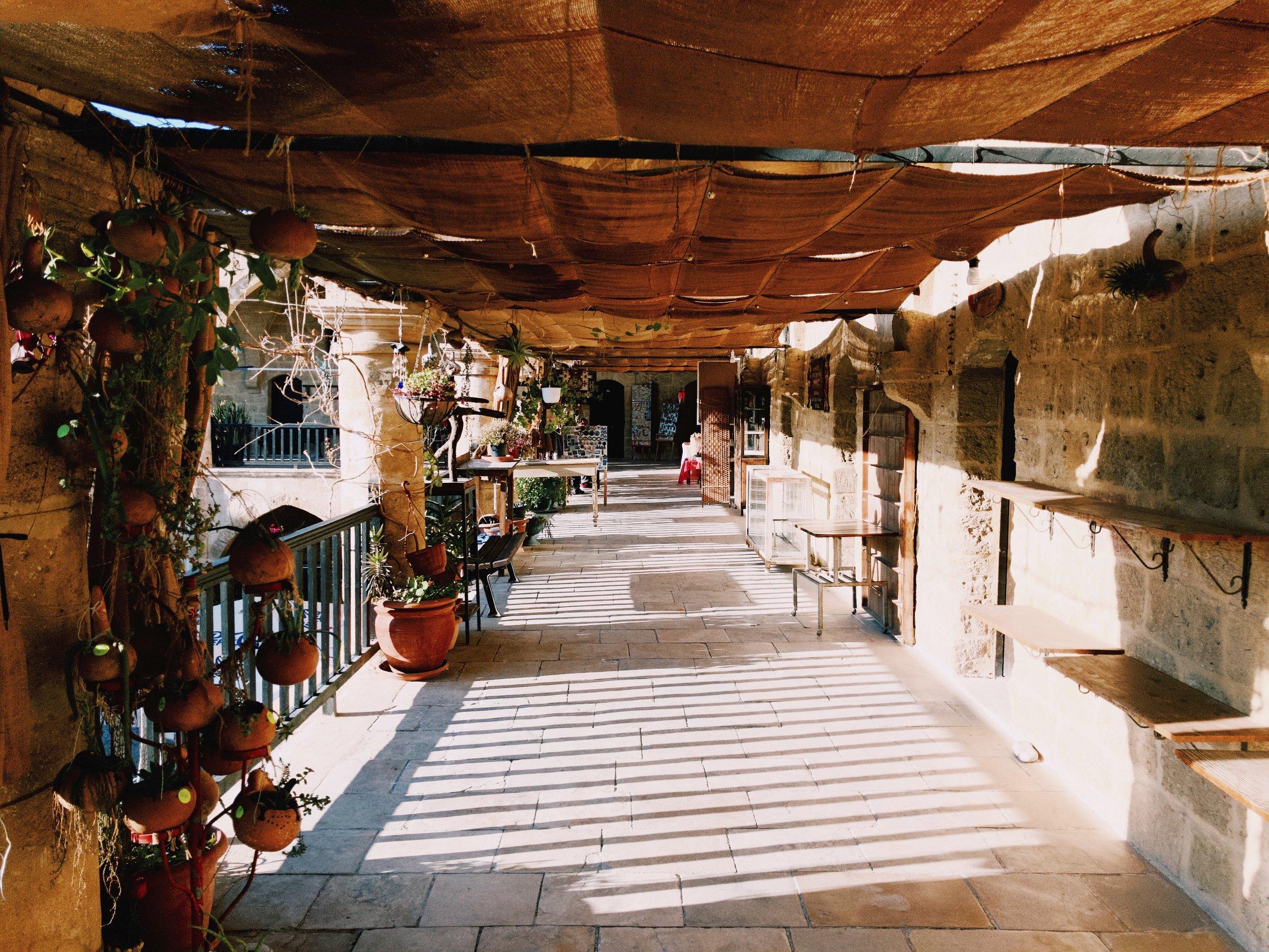 The Büyük Han arcades.