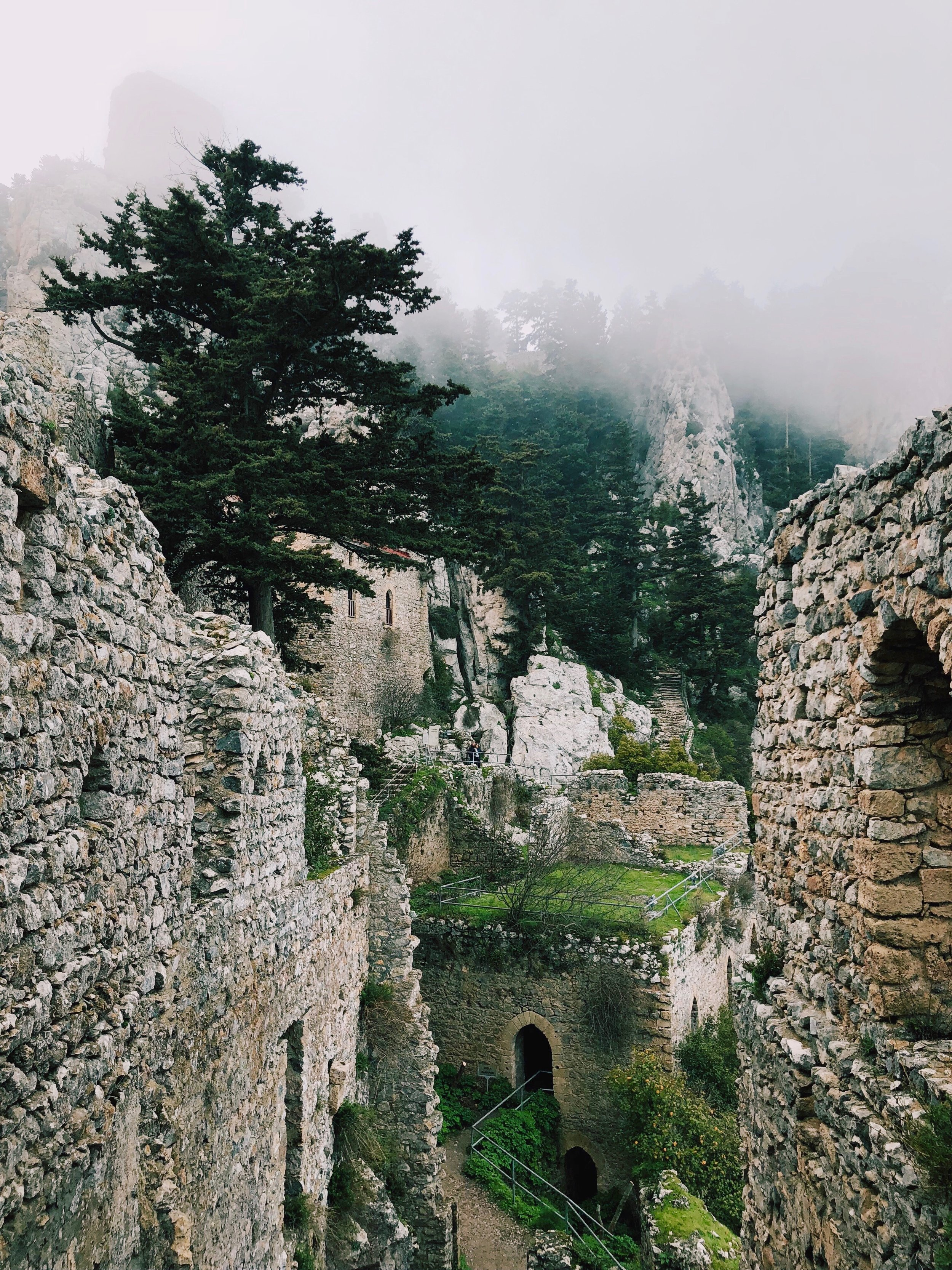 Exploring the immense ruins. It's one of the funniest castles to explore that I have visited!