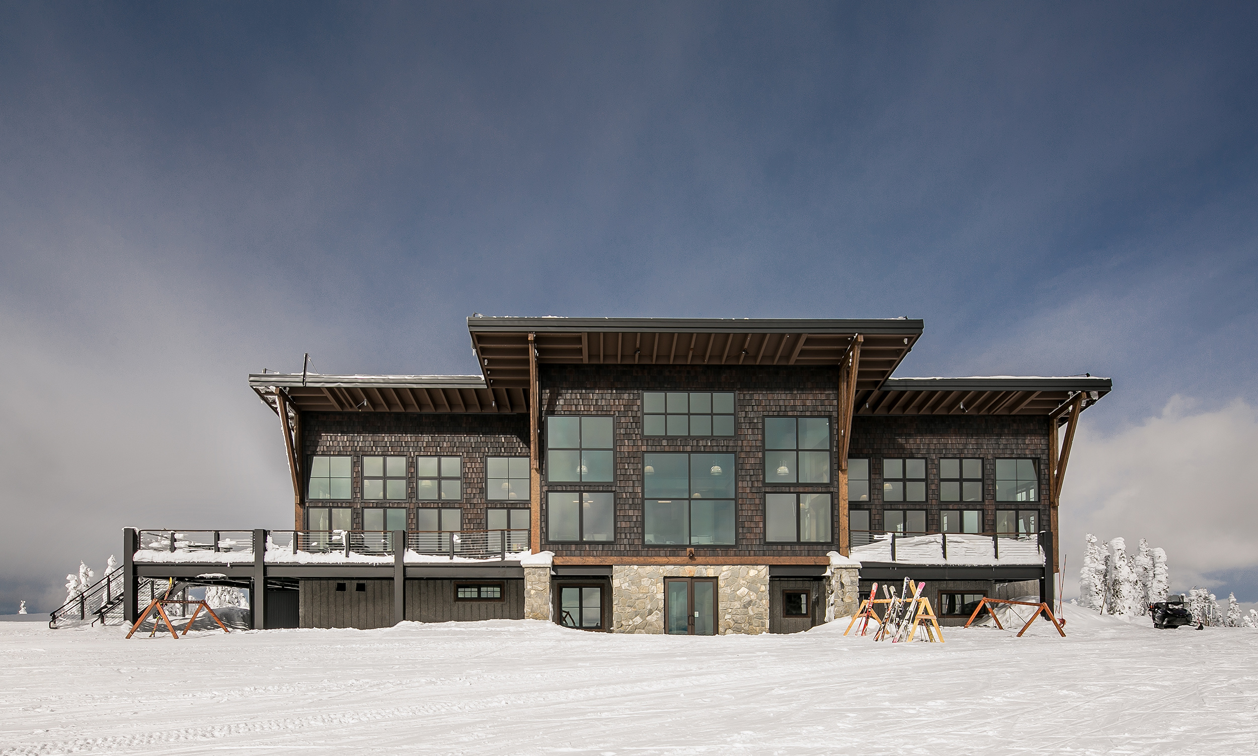 Skyhouse-Exterior-Sky-Schweitzer-Lodge-Skiing.jpg