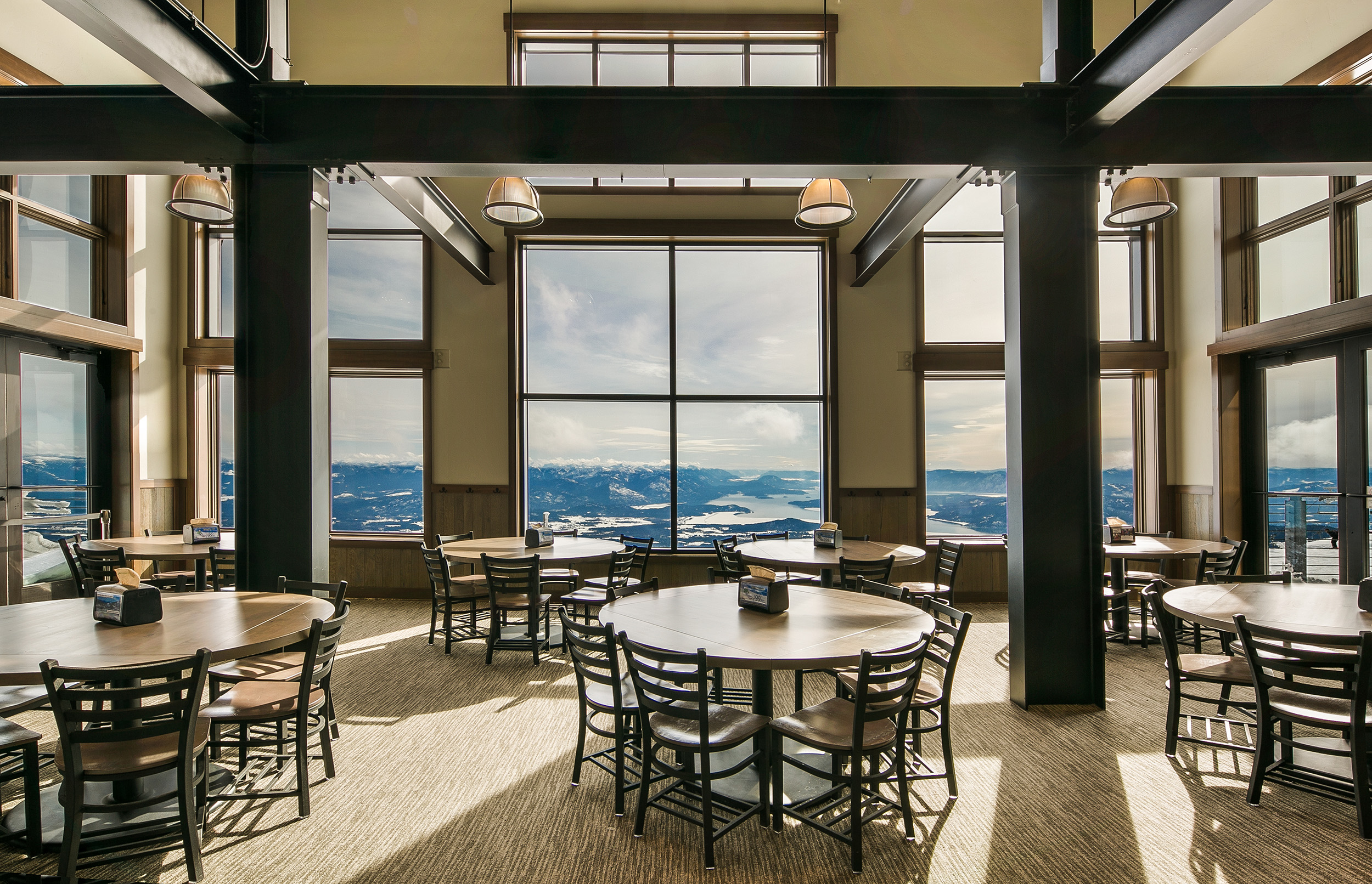 Skyhouse-interior-steel-beams-Schweitzer-Lodge-View-Lodge.jpg