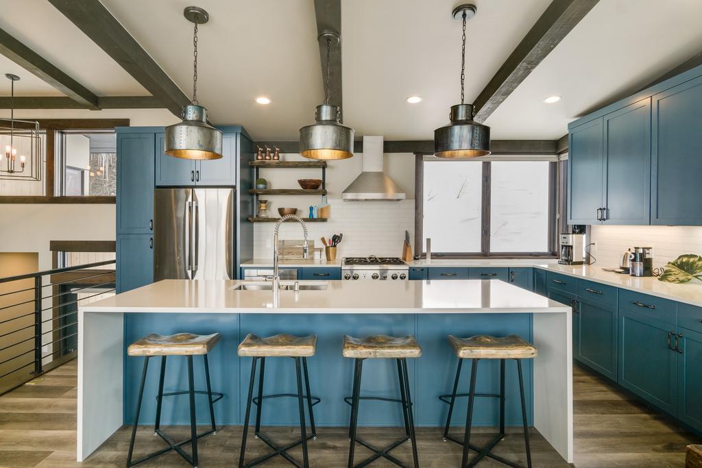 Interior-Kitchen-Island-Lighting.jpg