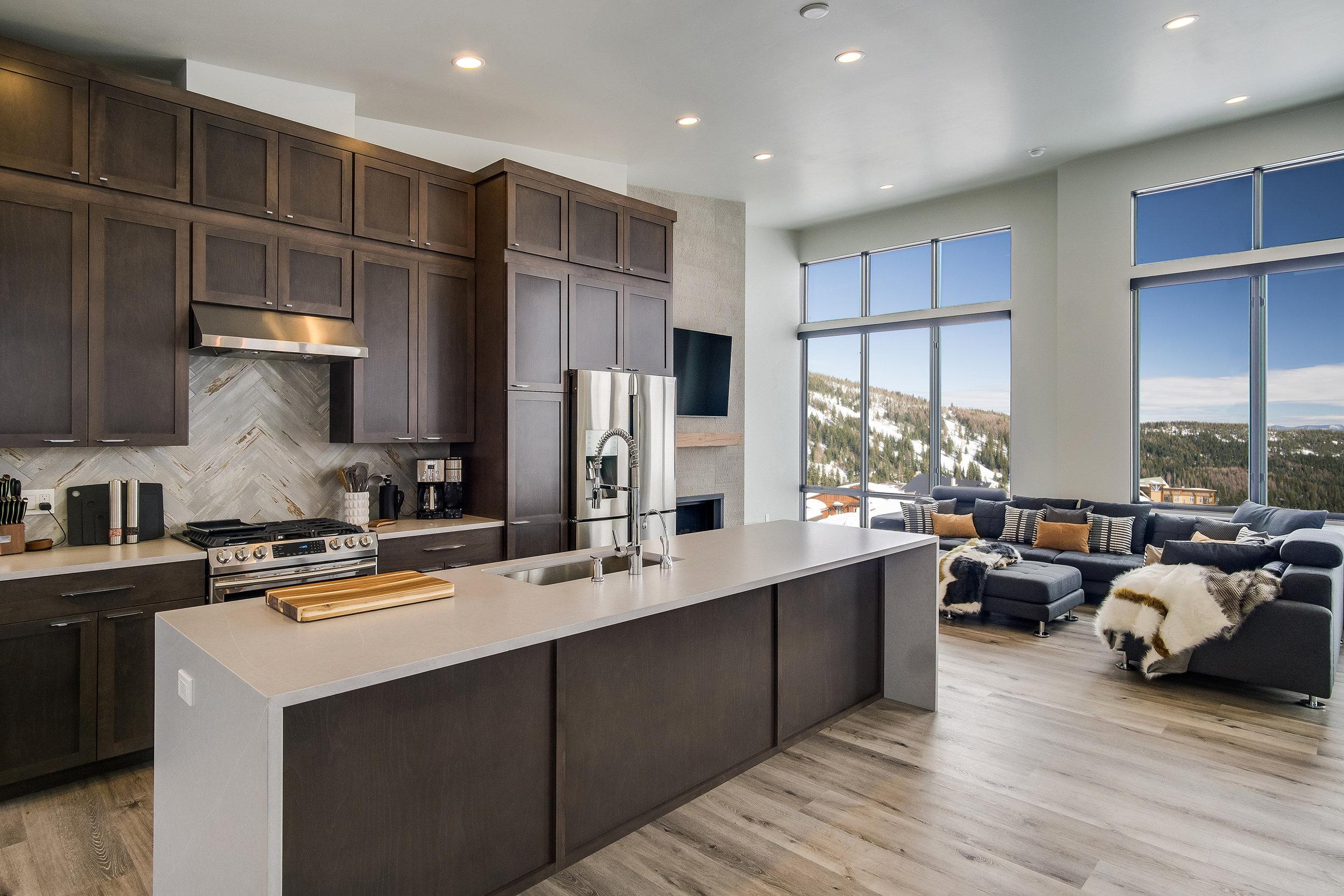 Headwall-Interiors-Windows-View-Mountain-Kitchen.jpg