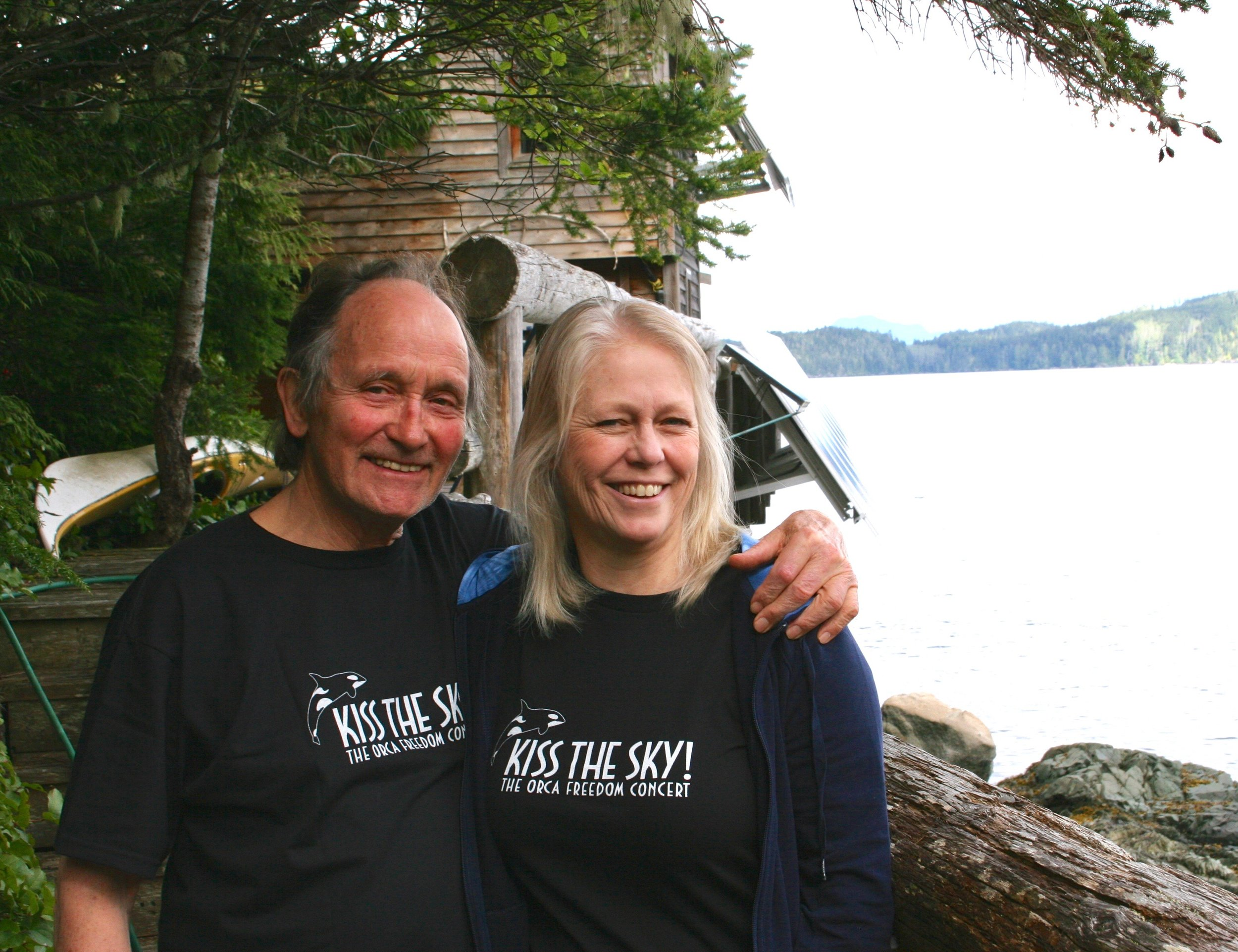 Paul Spong and Helena Symonds at Orca lab.jpg