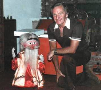Bob Young with Alakazam the Robotic Puppet (Dummy on the left). Thirty-two channels, voice synchronous lips, blinking eyelids. Control tape was built up in layers, four channels at a time. All before computers. Used in a Hollywood Children's TV pilot trilogy c1979 .