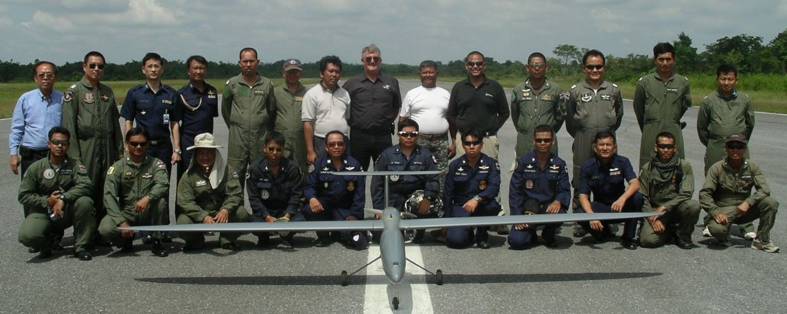 The Royal Thai Air Force Flamingo Team with Aussie instructor Paul Dewar in the centre rear.