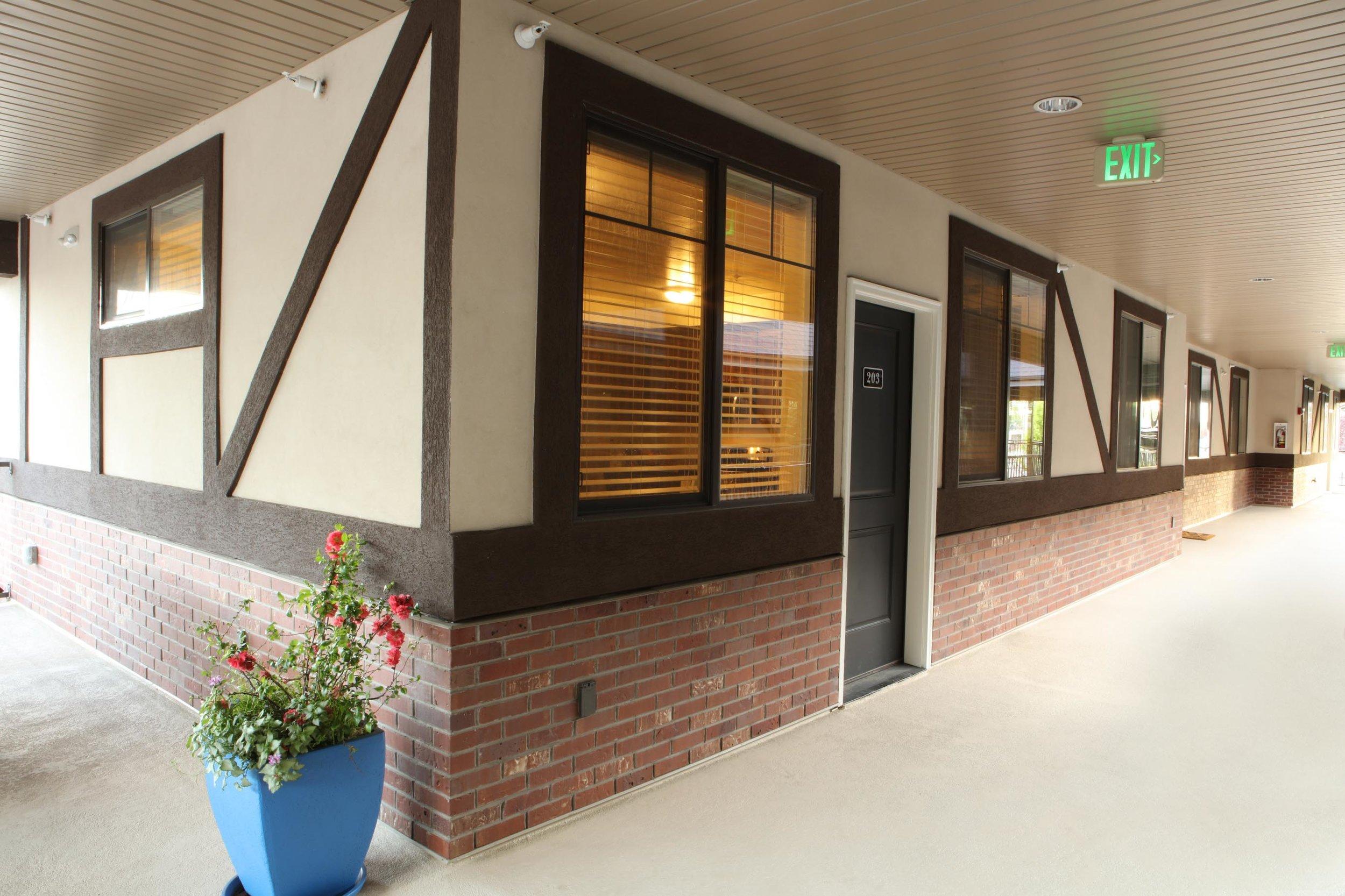 Apartment Provo Condo. UVU Large Windows