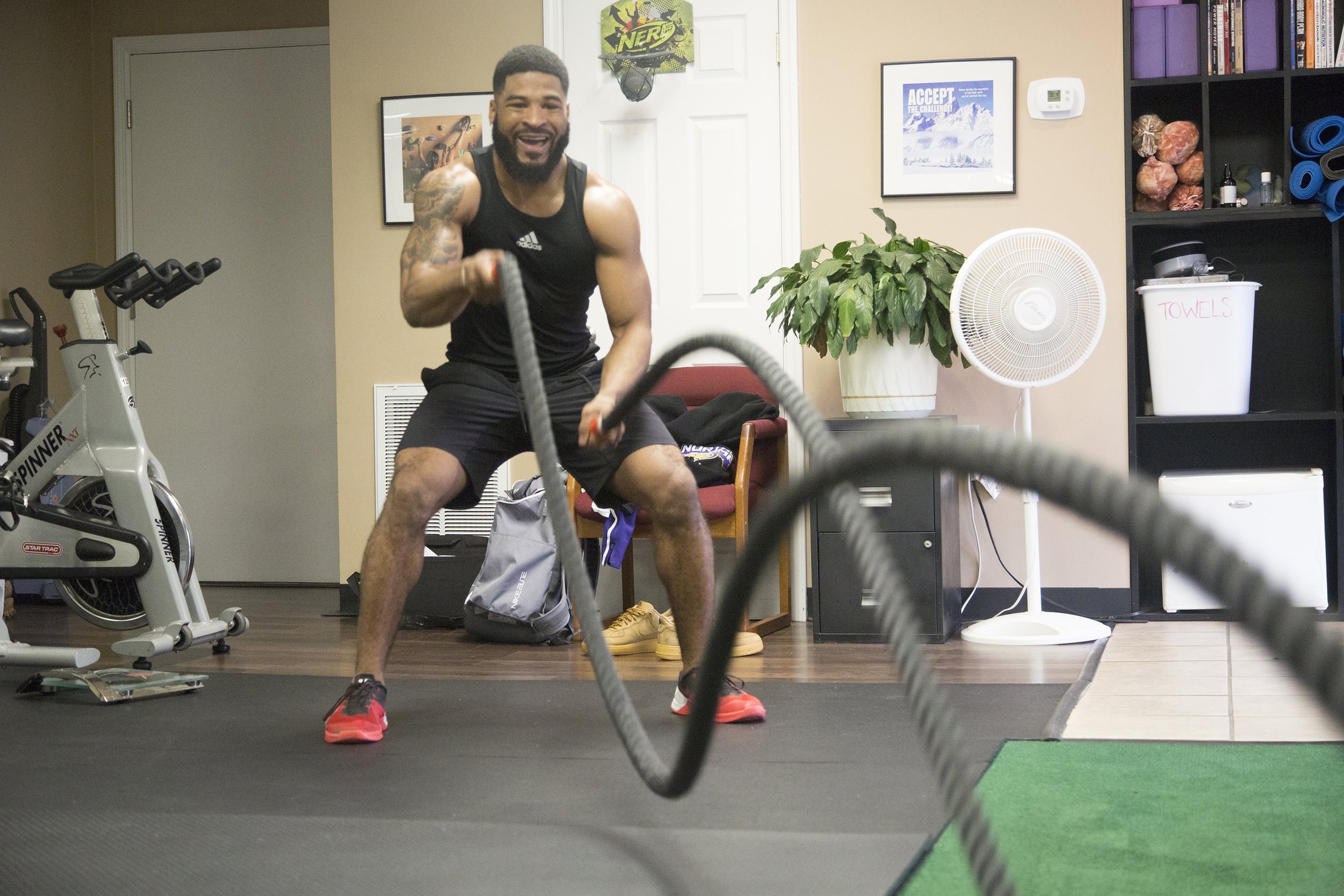 2018-3-29 NFL Prospect Dre Hall at Columbia Mid South 5 Fitness 04.jpg