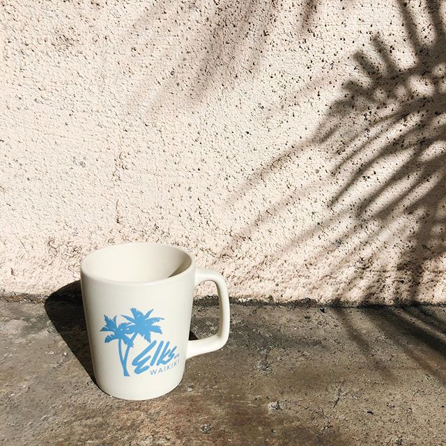 On the beach at Waikiki 🌴 how cute are these mugs for Elks Lodge! ✨ #createdwithaloha #creativedesignhawaii