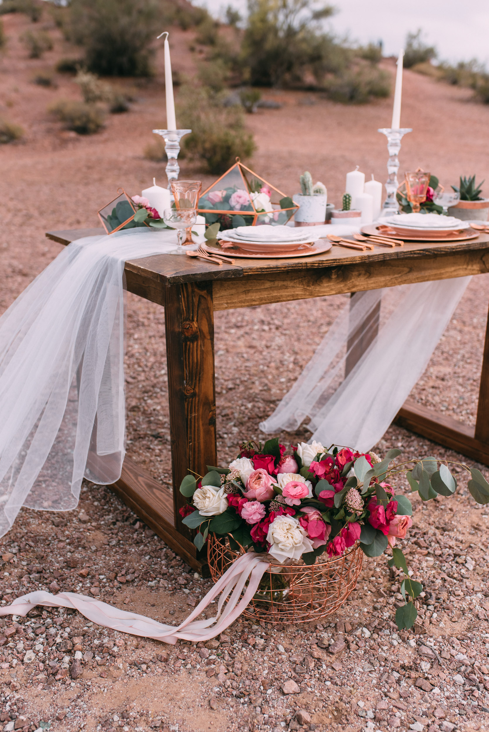 Rustic farm table with wedding table setting and wedding bouque tin arz.jpg