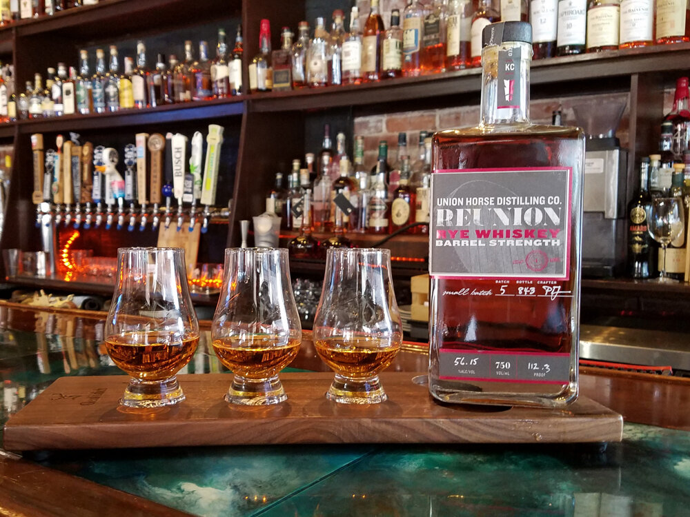 WhiskeyFlights_1000x750.jpg