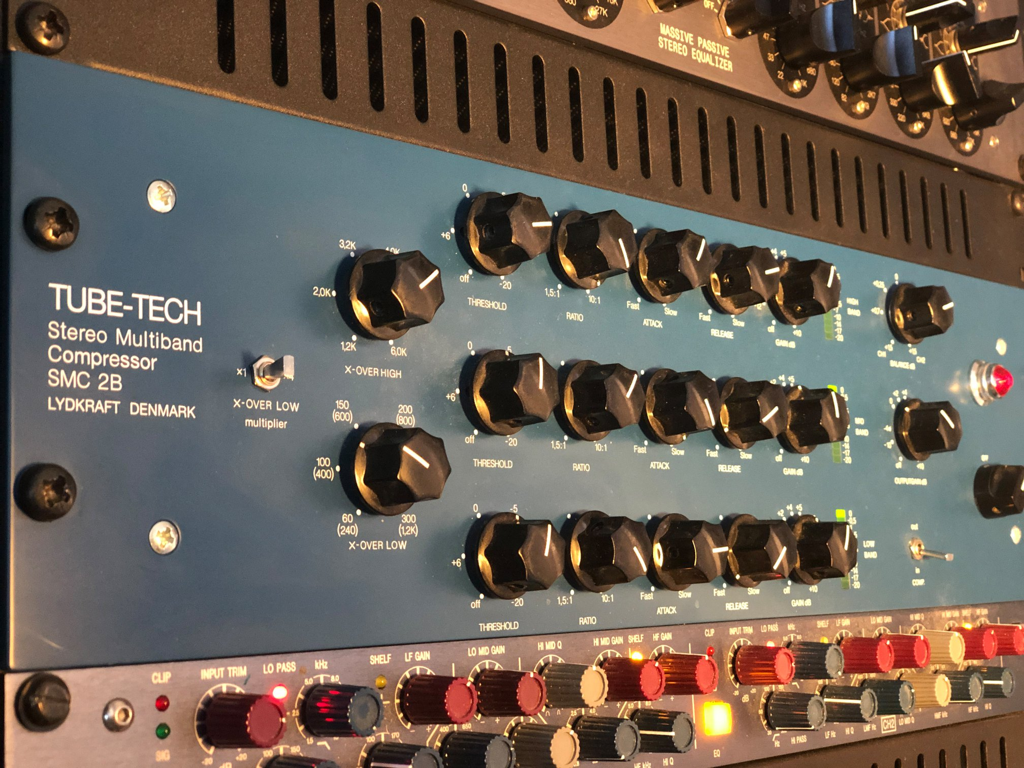 Tube-Tech SMC-2B Multi-Band Compressor: Makes the difference in compressing... natural compressing sound and great sound in so many top productions. Foto: privat
