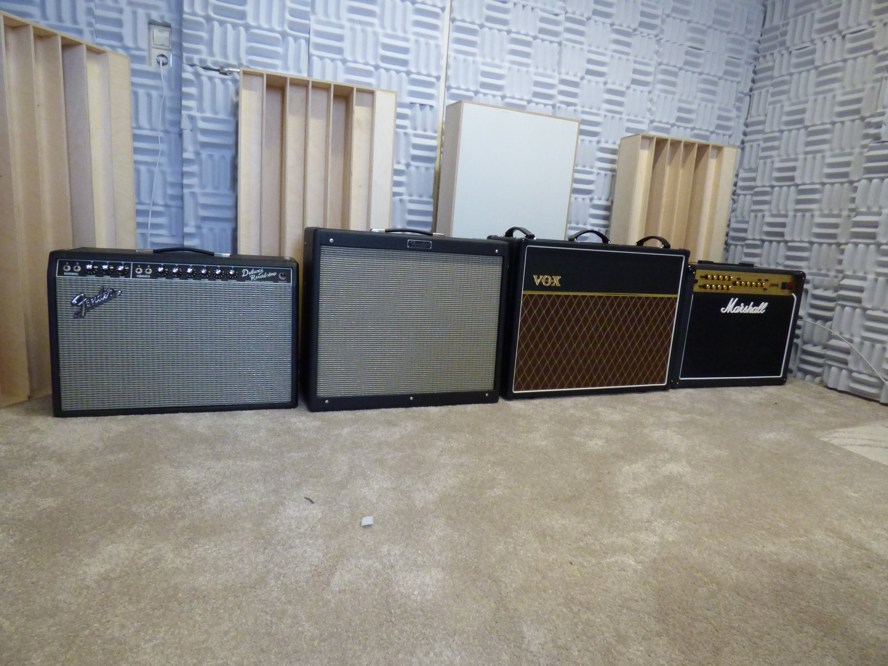 The most demanding tube guitar amps: VOX AC-30, Marshall JVM 215C, Fender Reverb Deluxe, Fender Hotrod Deville. Foto: Privat