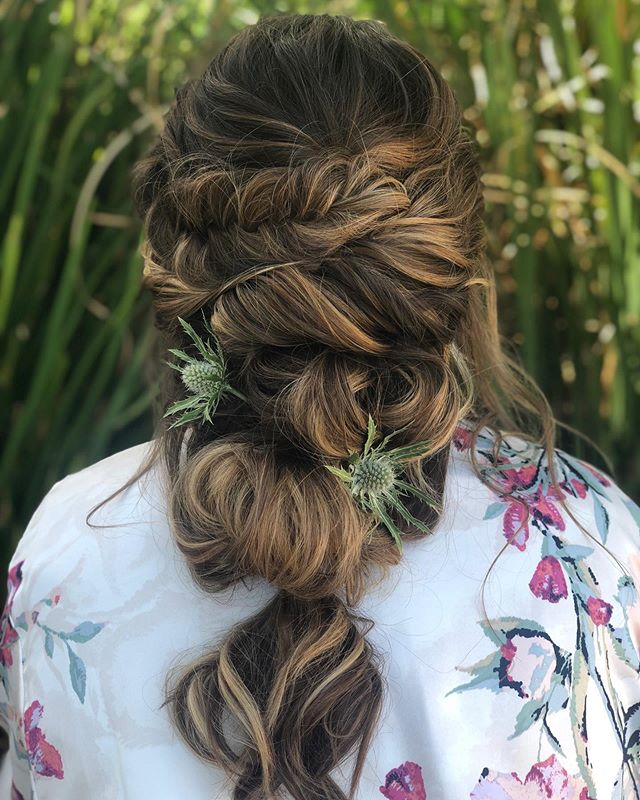 Boho to the next level - lots of texture using Kenra dry wax and inspired by @styles_by_reneemarie class today at @statussalonagency. Thank you @jftrackstar for being my model. . . . #sarahbridalbeauty #bohohair #bridalhair #bridesmaidhair #texturedhairstyle #fishtailbraid #kenraprofessional #matrixbiolage #samvillahair #hottools #bridalbeauty #weddinghair #beyondtheponytail