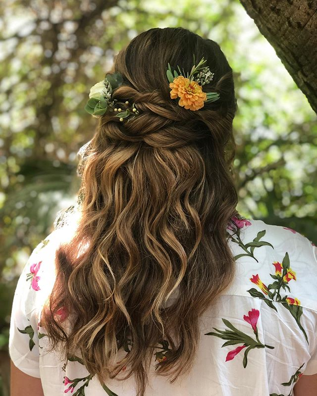 Day Dreaming Of This Magical Wedding Bliss . . When a longtime client pre-books you before she's even engaged, you say Of Course! . . . #sarahbridalbeauty #thehollyfarmcarmelvalley #bridalhair #softwaves #floralaccessories #kevinmurphy #samvillahair #redken #carmelvalley #bayareastylist #cosmoprofbeauty #saloncentric #biolage #designmehair