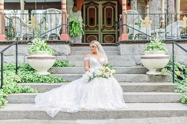 Here's a little sneak peak of this weekend's styled shoot! Everything was dreamy and magical, and came together so perfectly! Thank you to the team of people that collaborated with me to make this happen! We've got some amazing vendors in our industry! ✨💍 Photography: @taylorwhitephotos  Venue: @ejrobertsmansion  Models: @eliza_nazar @vitaliy__nazar  Dress: @bridalcollections  Flowers: @bloomanddesign  Hair: @rachelbhair