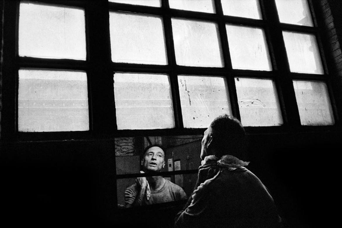 LFI - Leica Fotografie International - Hamburg, Deutschland. Seit 1949 ist LFI - Leica Fotografie international - ein unabhängiges Magazin für Leica-Fotografie und eine renommierte Anlaufstelle für alle, die ihr Wissen, ihr Verständnis und ihren Umgang mit Leica erweitern möchten. Auf ihrem Instagram Account werden ganz unterschiedliche Arbeiten von den unterschiedlichsten Fotografen gepostet. Das Einzige, was die Fotografien wahrscheinlich gemeinsam haben, ist dass sie mit einer Leica geschossen wurden.LFI - https://www.instagram.com/leica_fotografie_international/