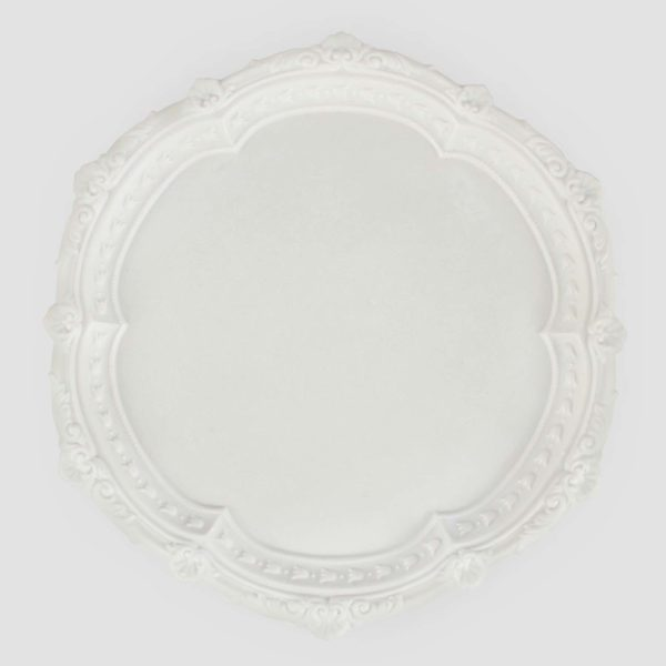 GRAEME | ANTIQUE WHITE  Resin Size : Diam. 33 cm  IDR 25,000/per piece  Qty Available: 25 pcs
