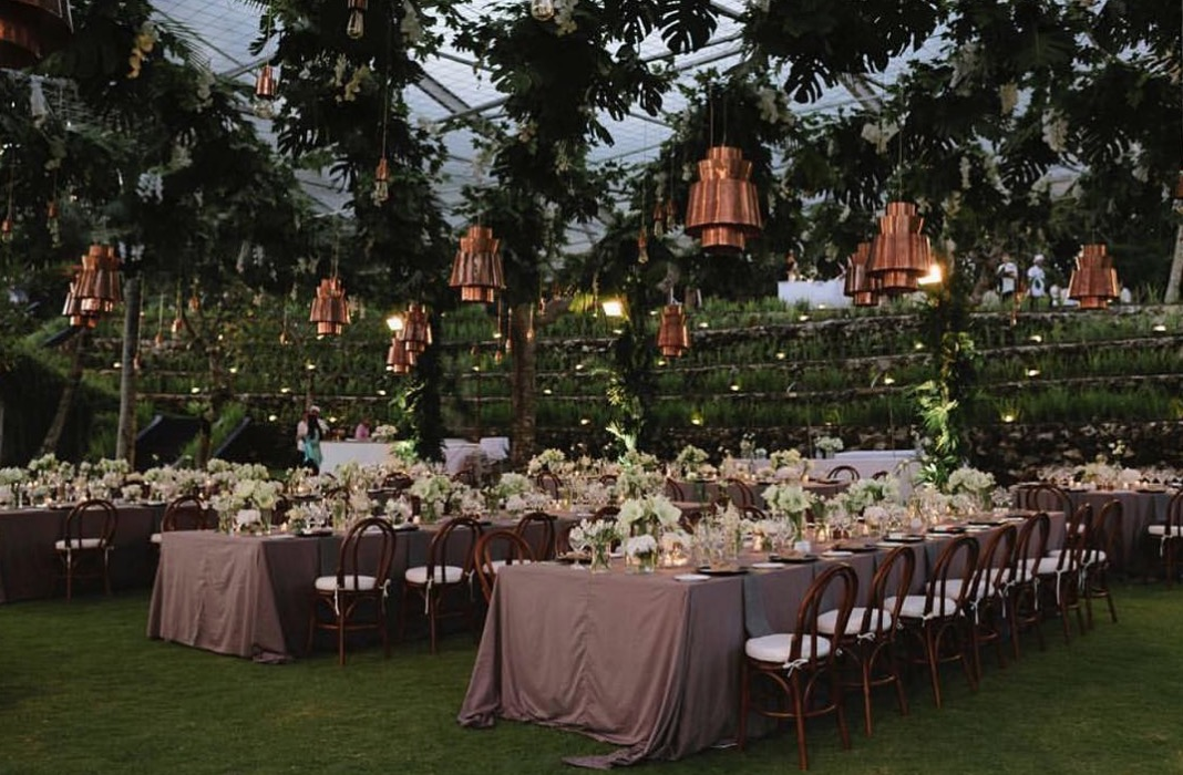 Thierry Joubert with Artika Events & Celebrations and Gloriosa Flower House at Khayangan Estate  As seen on Rock My Wedding