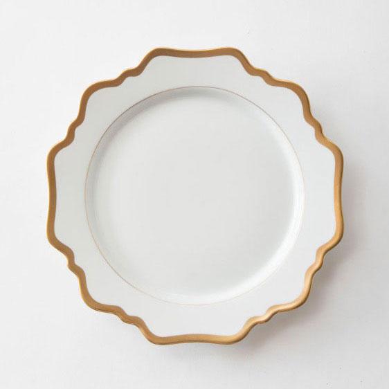 MARGOT MAIN | WHITE WITH GOLD RIM  Porcelain Size : Diam. 27 cm  IDR 38,000/per plate  Qty Available: 200 pcs