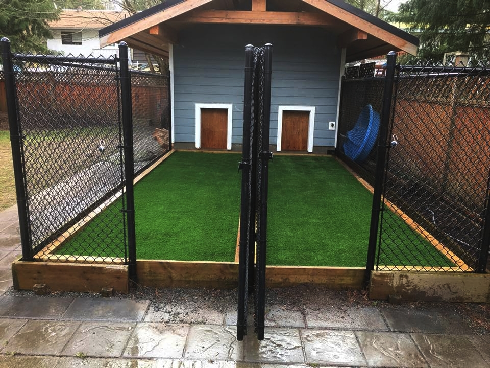 SYNTHETIC GRASS FOR PET AREAS