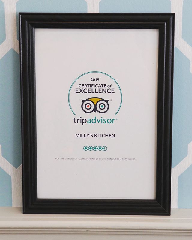 🙌🙌🙌🙌🙌🙌🙌🙌🙌🙌🙌🙌Big shoutout to my awesome team who all work really hard and always have a smile on their faces - even when the dishwasher breaks down 😬💙 . . . . . . . #millyskitchen #tripadvisor #certificateofexcellence #cuparnow
