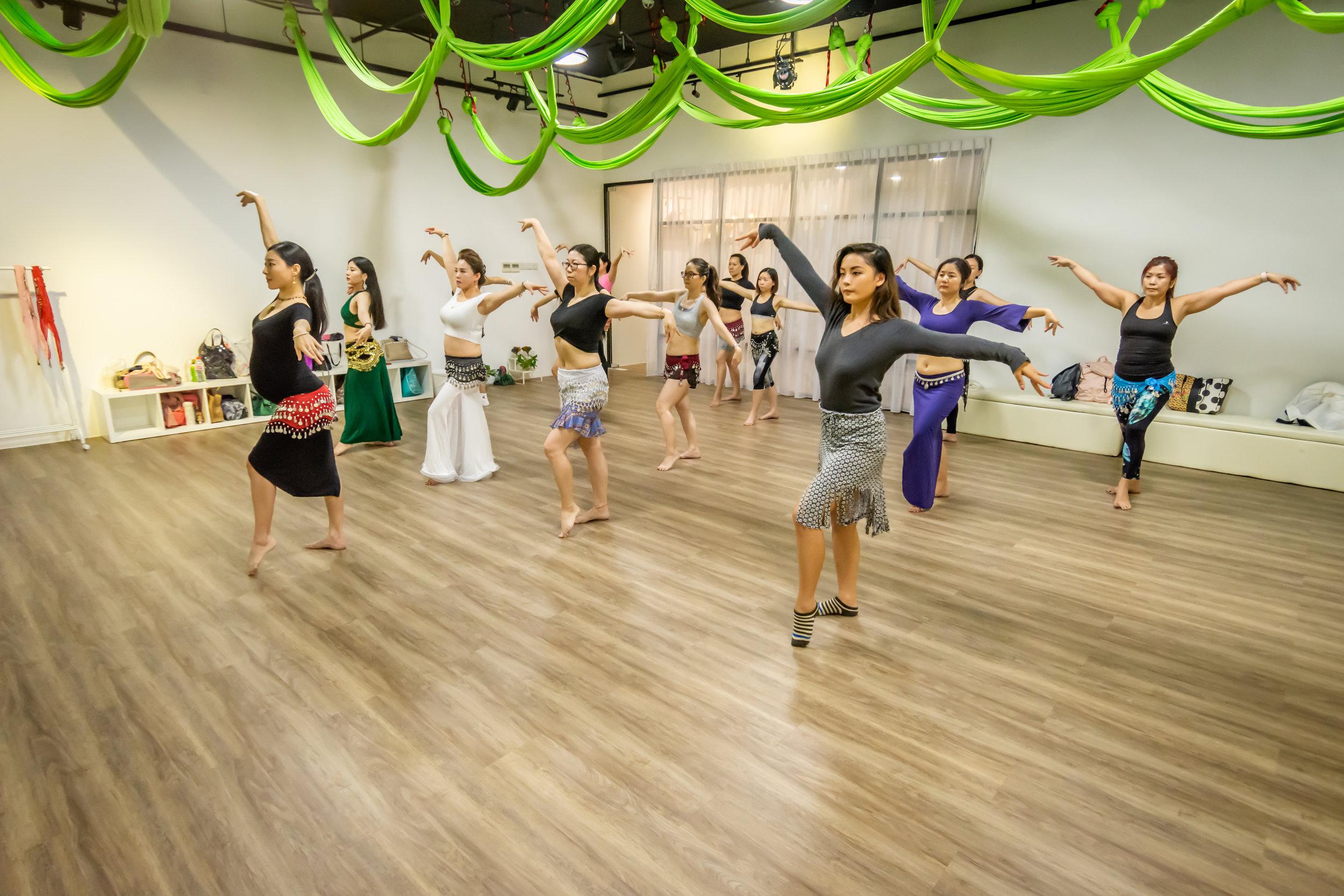 Dream Dance and Yoga Zumba Bellydance Fitness Class