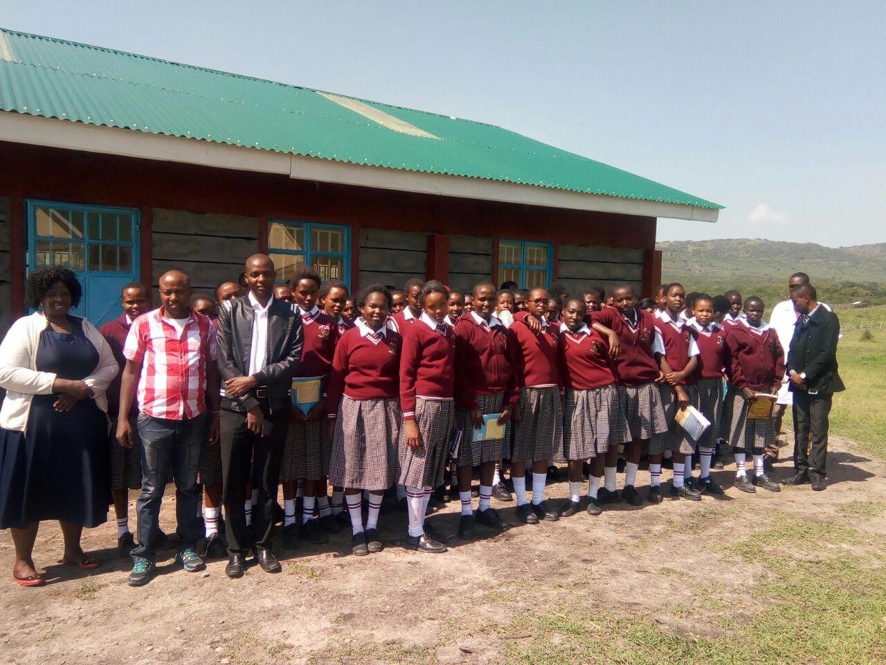 Kenya with students 2.jpg