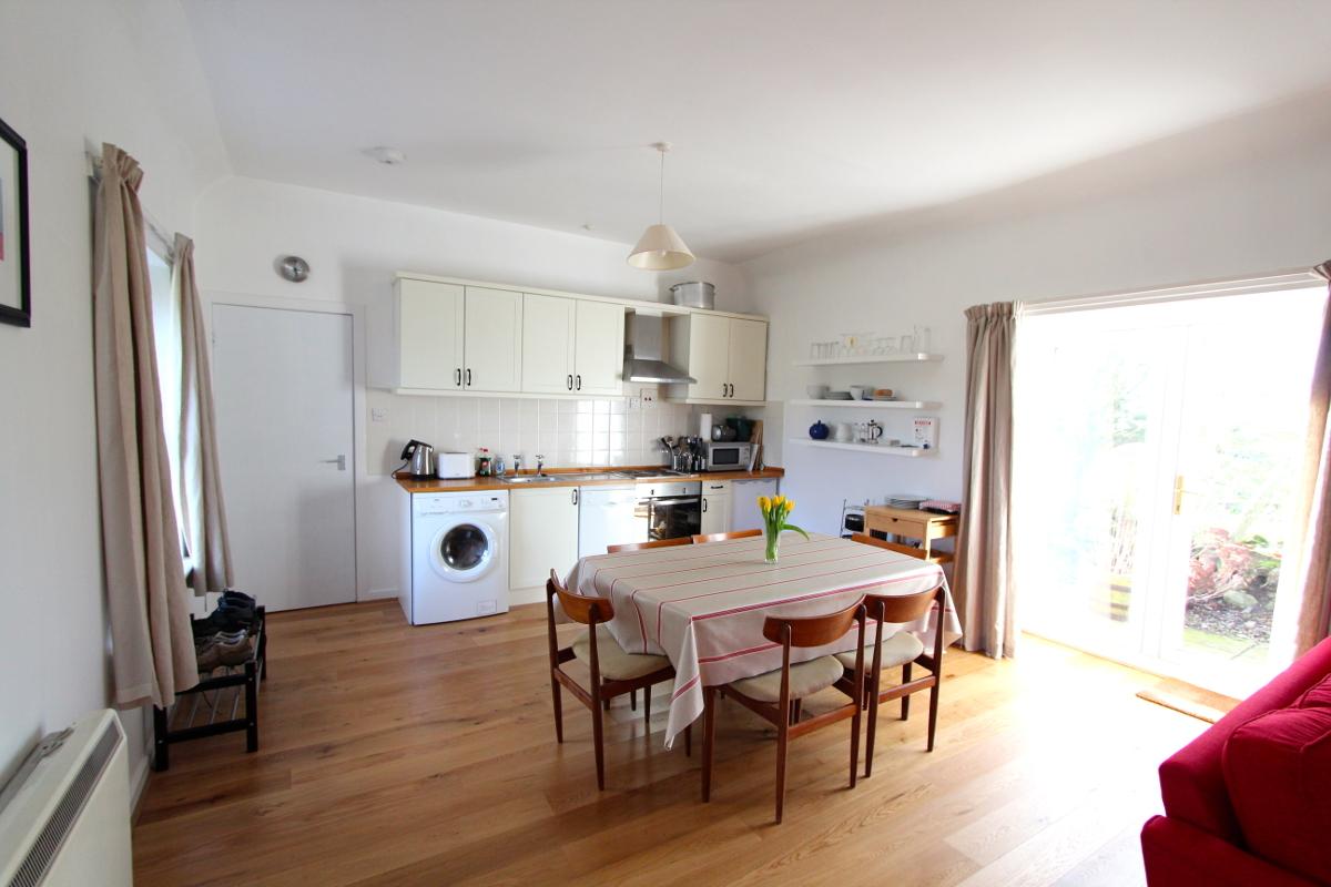 Burnside holiday cottage to let Galloway, kitchen diner.jpg