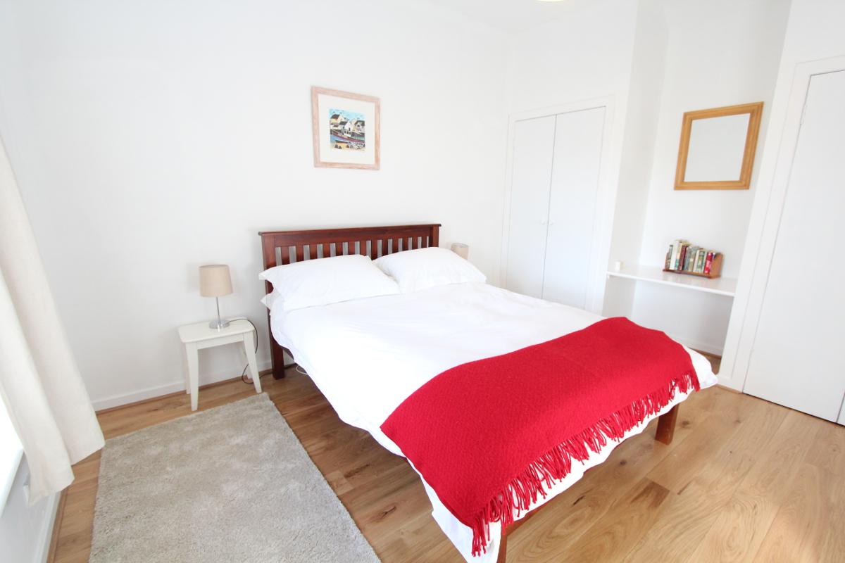 Burnside holiday cottage to let Galloway master bedroom.jpg