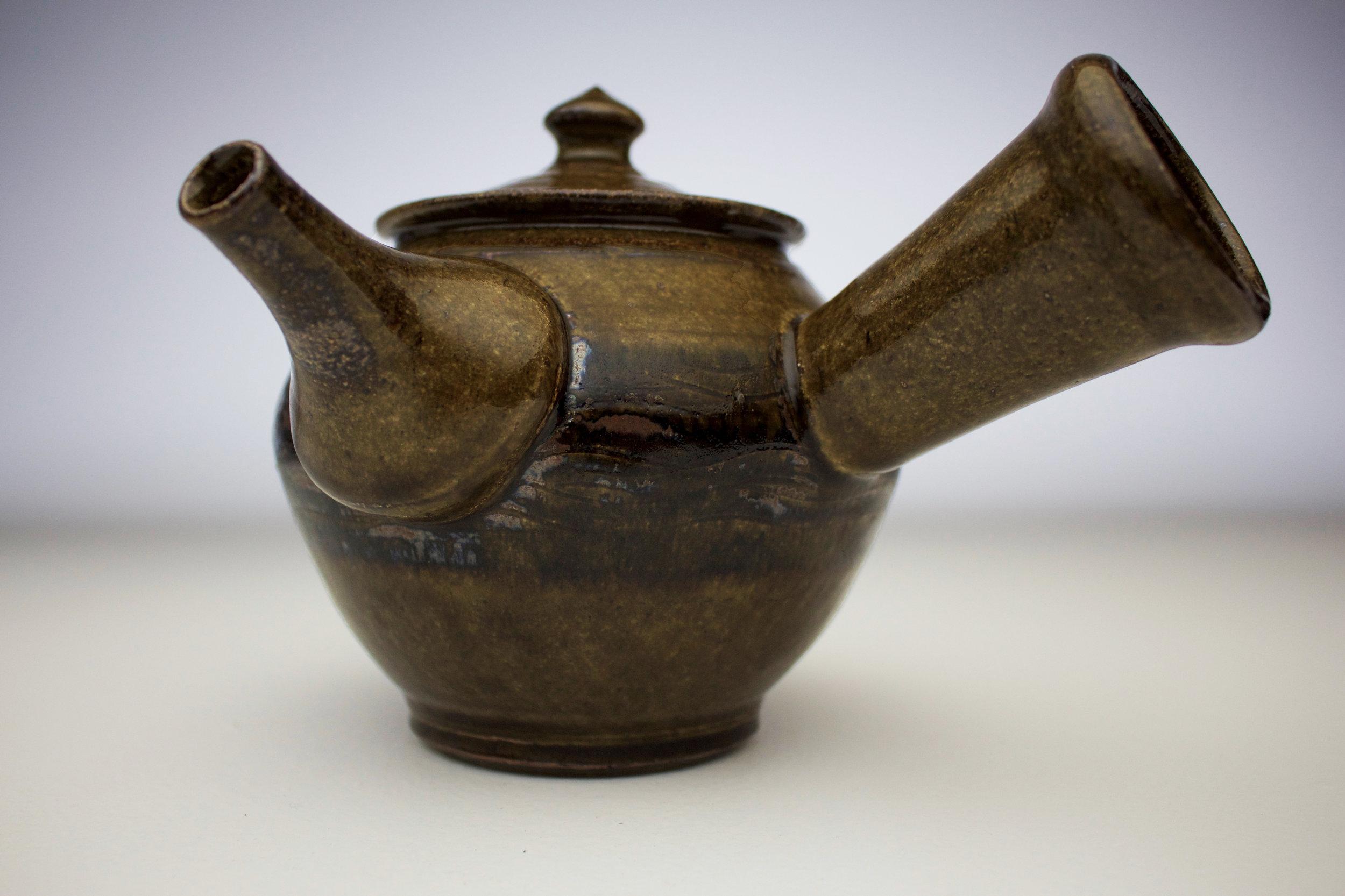 ame black fork design teapot 2.jpg