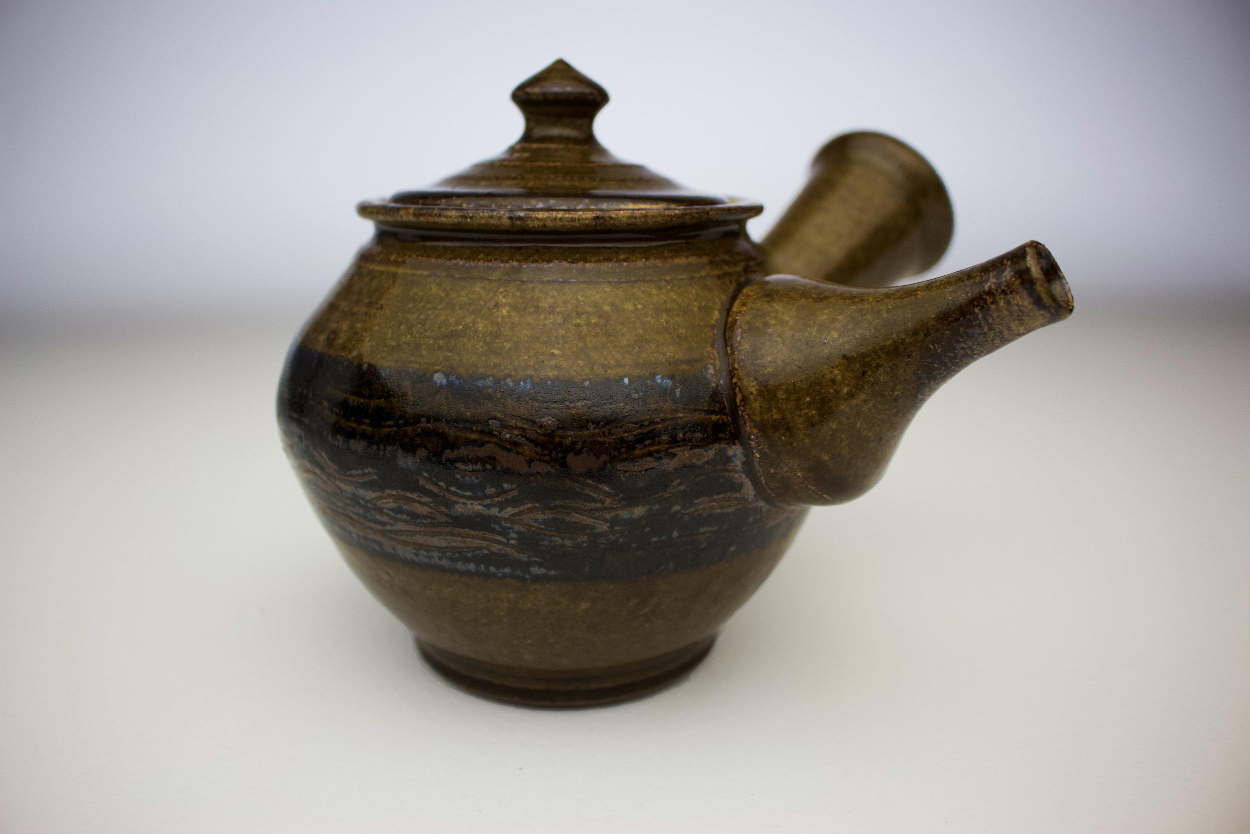 ame black fork design teapot 3.jpg