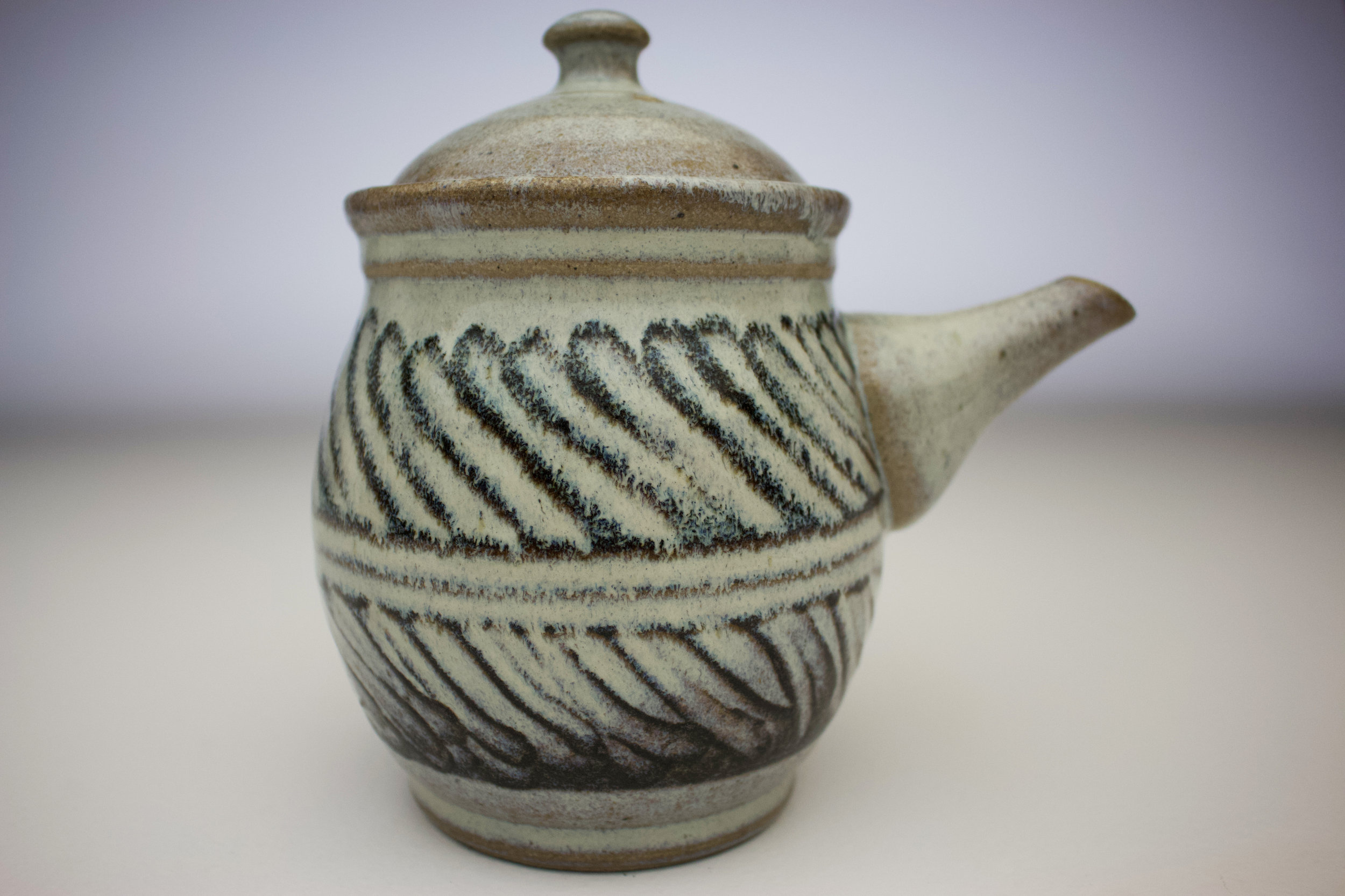 nuka opposite stripes teapot 2.jpg