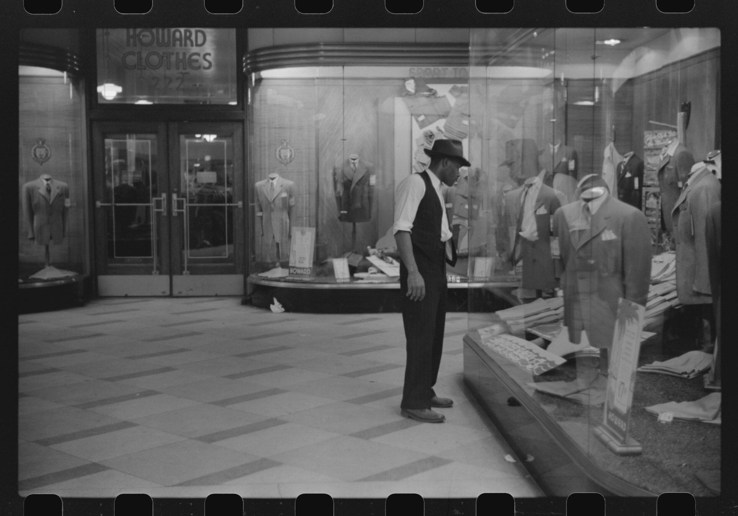 """Window Shopping, Chicago, Illinois,"" John Vachon, 1941, courtesy the  Library of Congress ."