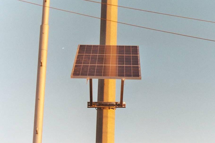 Steel Pole w solar panel_(1024_x_768).jpg