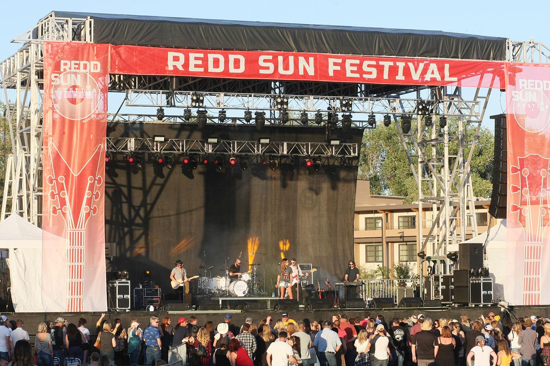 Redd-Sun-Country-001.jpg