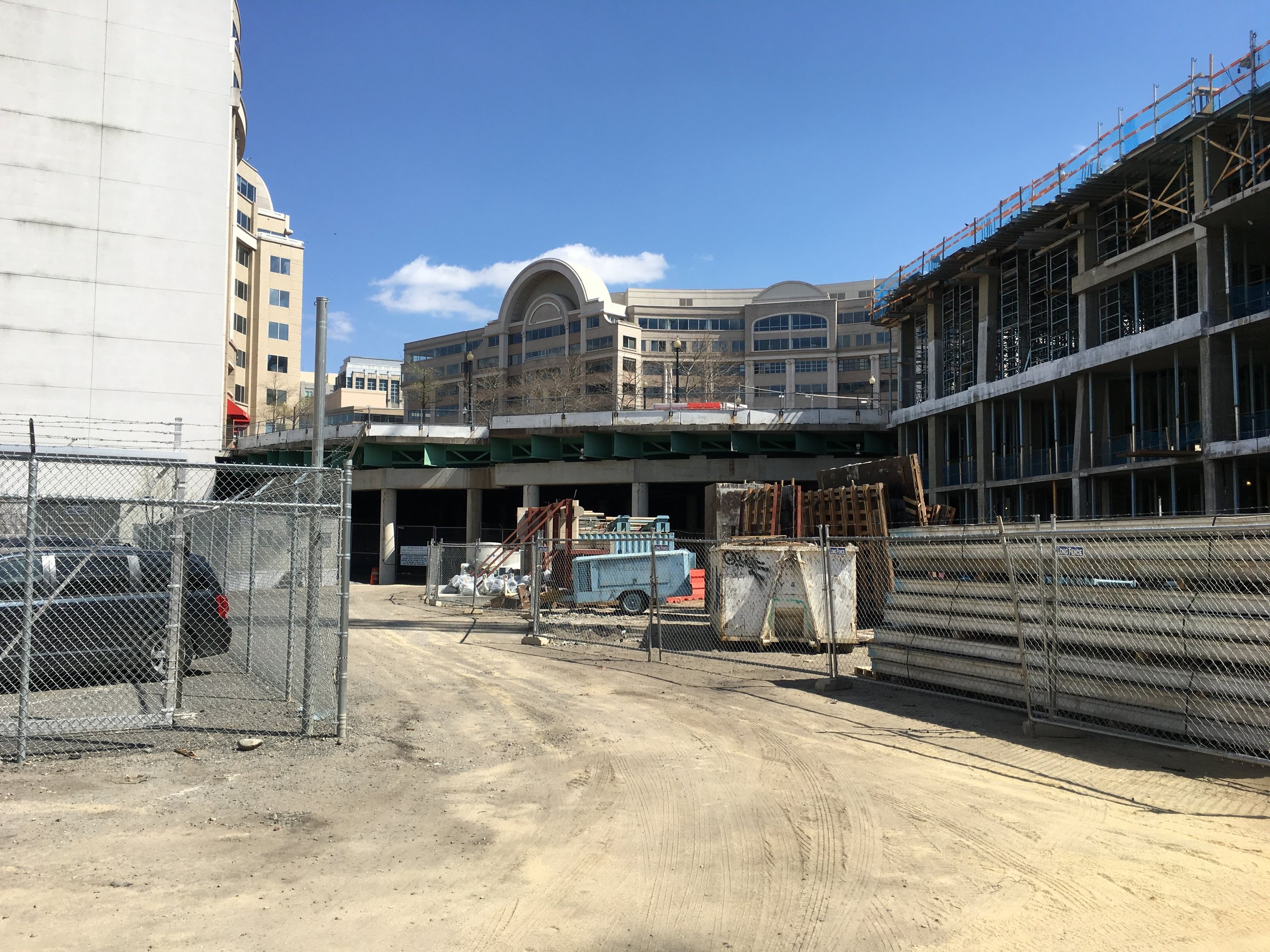 """The Maryland Avenue Southwest """"underground"""" abuts a longterm construction staging area. Photo: Elliot Carter"""