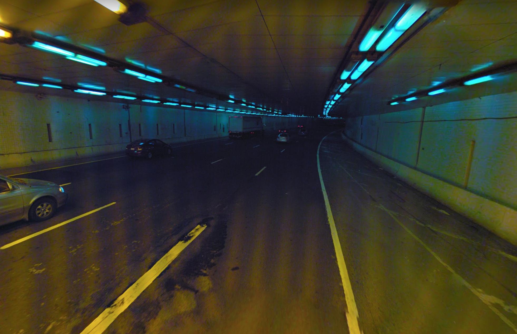 Yellow light fades to blue. Photo:   Google Streetview  /Fair Use