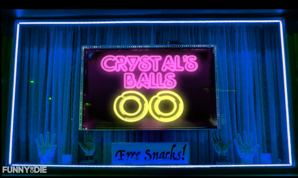 CRYSTAL'S BALLS (2016)