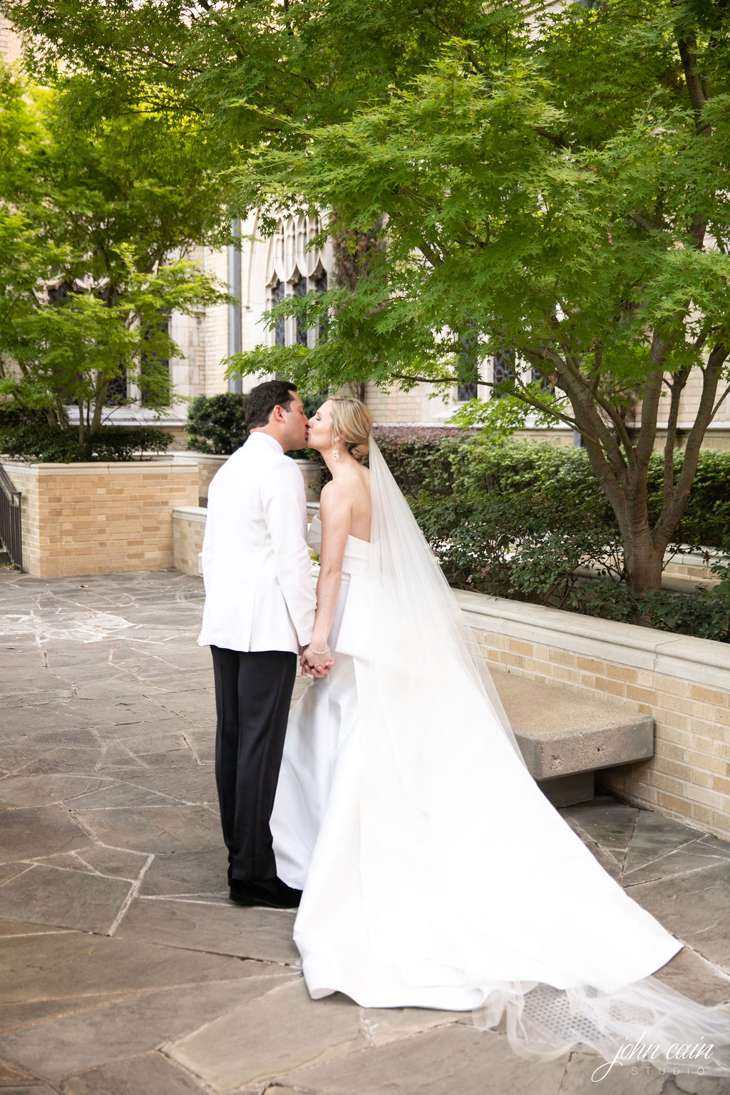 Dallas Country Club Wedding - Timeless Dallas Wedding - Wedding Planner in Dallas - Allday Events - Portraits - 22.JPG