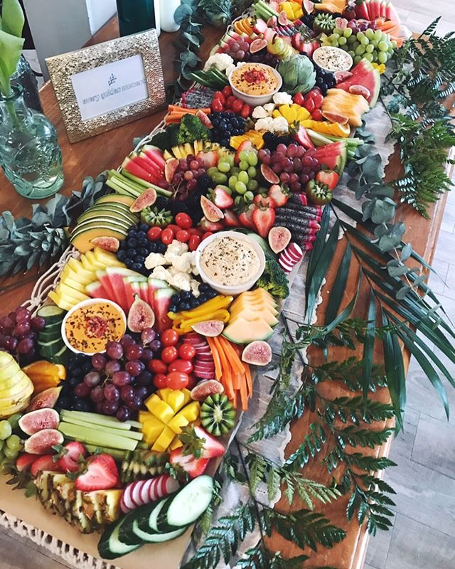 What. A. Weekend. 🌿 We were so excited to create this beautiful 4ft Fruit+Veg Grazing table for the amazing @jaclyndesforges on the eve of her book launch!!🌸✨ Congratulations Jaclyn and all the best💕🌿