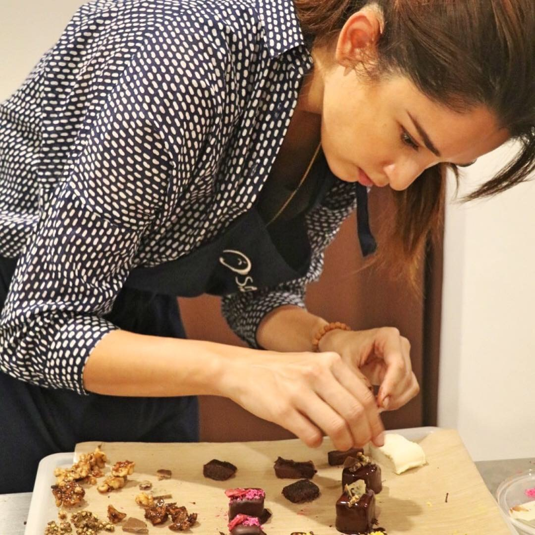Yes please to decorating praline delights!
