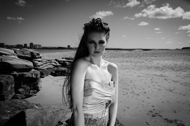 Black and white work 'Sea Queen' with @hybrid_queen_photography @kyalijayne and @dozza380  Makeup by me @riannaschuhmakeupartist  #editorialmakeup #photographicmakeup #seascapes #blackandwhitephotography #artphotography #brisbanemakeupartist #sunshinecoastmakeupartist