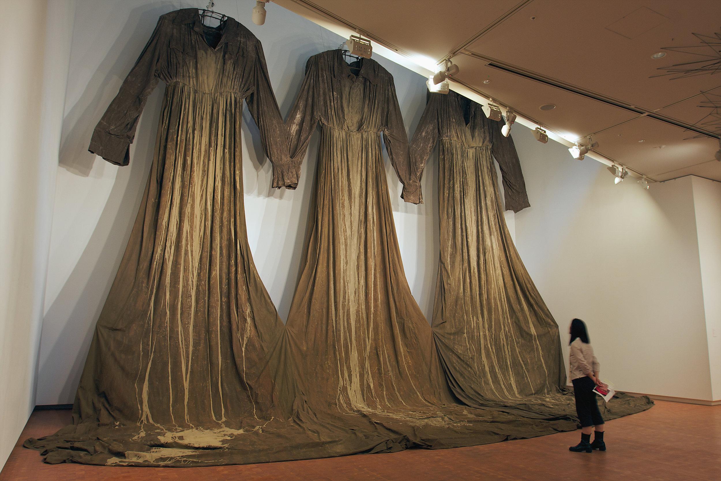 22008_After that – Memory of Skin_National Museum_Osaka_Photo Sunhi Mang_2.jpg