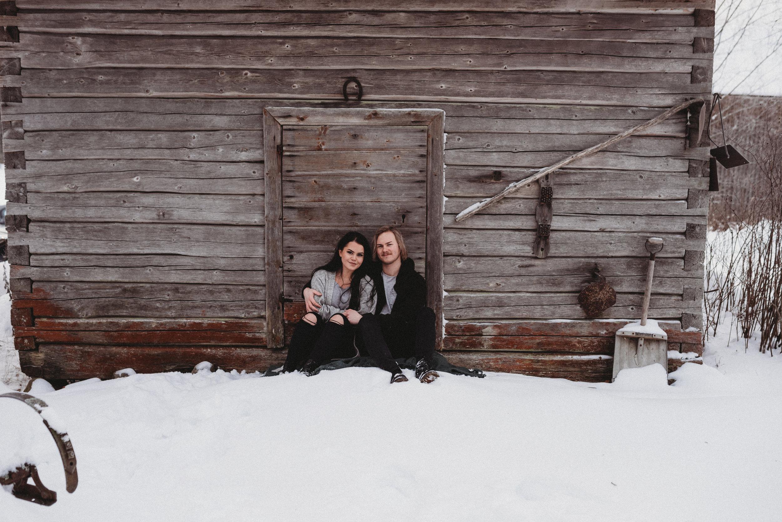 valokuvaus parikuvaus valokuvaaja hämeenlinna perhekuvaus rakkaus hääkuvaus häät2019 kihlakuvaus talvi suomen talvi salla s photography