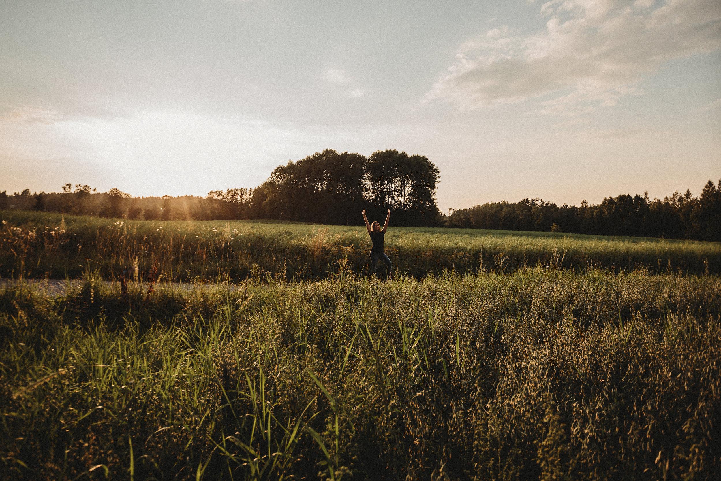 hääkuvaus perhekuvaus lapsikuvaus miljöökuvaus valokuvaaja hämeenlinna valokuvaus parikuvaus ystävänpäivä