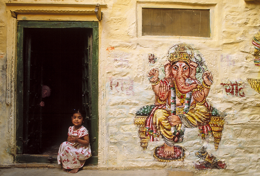 900.109.Ganesh, Child, Jaisalmer.jpg