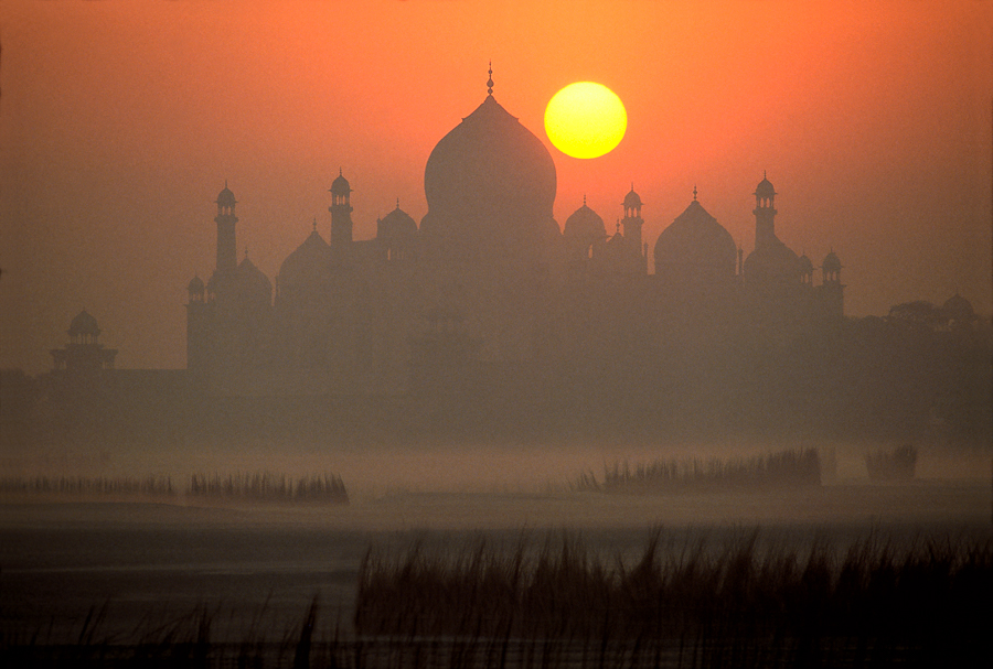 900.181.Taj Mahal, Sunrise-Edit.jpg