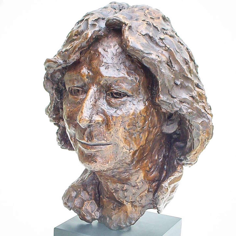 Ruth (37x25cm. Bronze.)