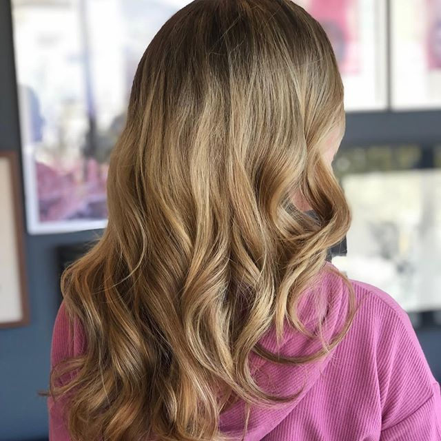 🎀 haircolor @colorbyamandab 👛 style @twetenford 🌸 salon @canalemartinezsalon