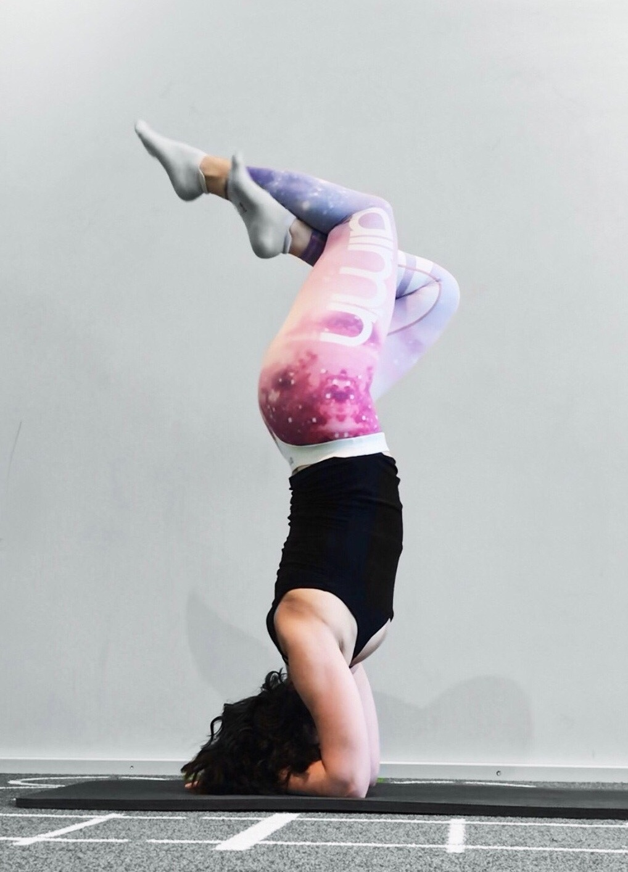 headstand-amna1.jpg